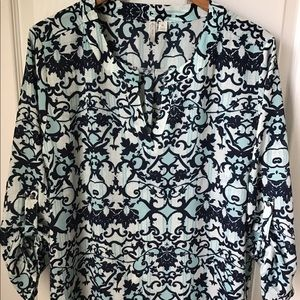 Cato Navy/white/teal top. Size XL